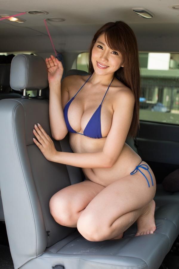 【森咲智美グラビア画像】セクシーでスタイル抜群なGカップくびれボディがめちゃシコ過ぎる! 20