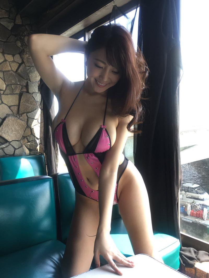 【森咲智美グラビア画像】セクシーでスタイル抜群なGカップくびれボディがめちゃシコ過ぎる! 59