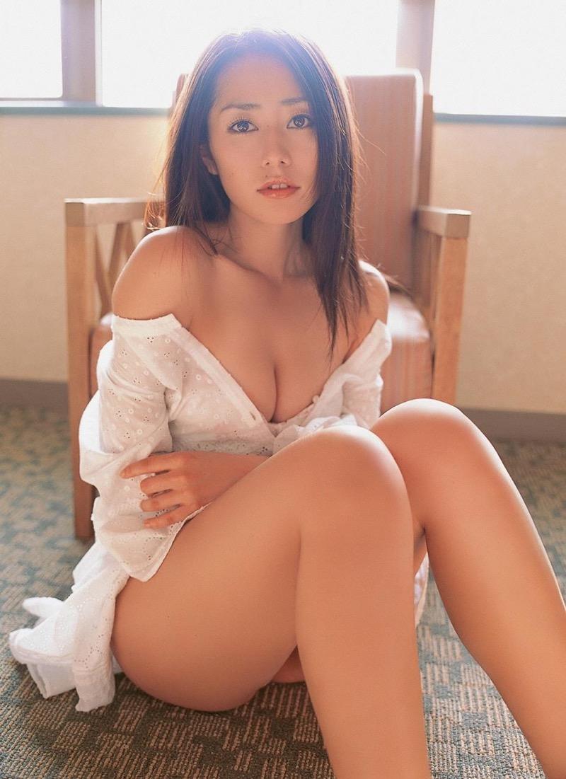 【谷桃子エロ画像】色白美肌なDカップボディでアラサーまでグラビアを続けてきたセクシー美熟女 34