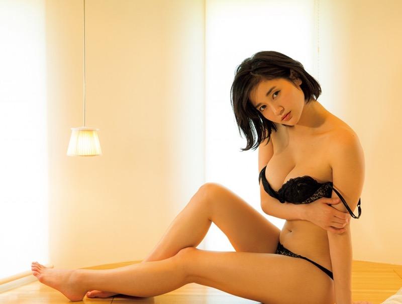 【出口亜梨沙グラビア画像】Gカップの巨乳過ぎるレポーターとして注目を浴びたグラビアアイドル 12