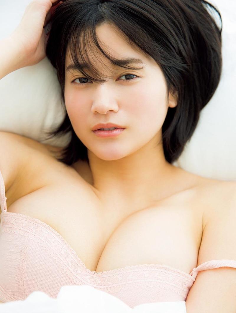 【出口亜梨沙グラビア画像】Gカップの巨乳過ぎるレポーターとして注目を浴びたグラビアアイドル 24
