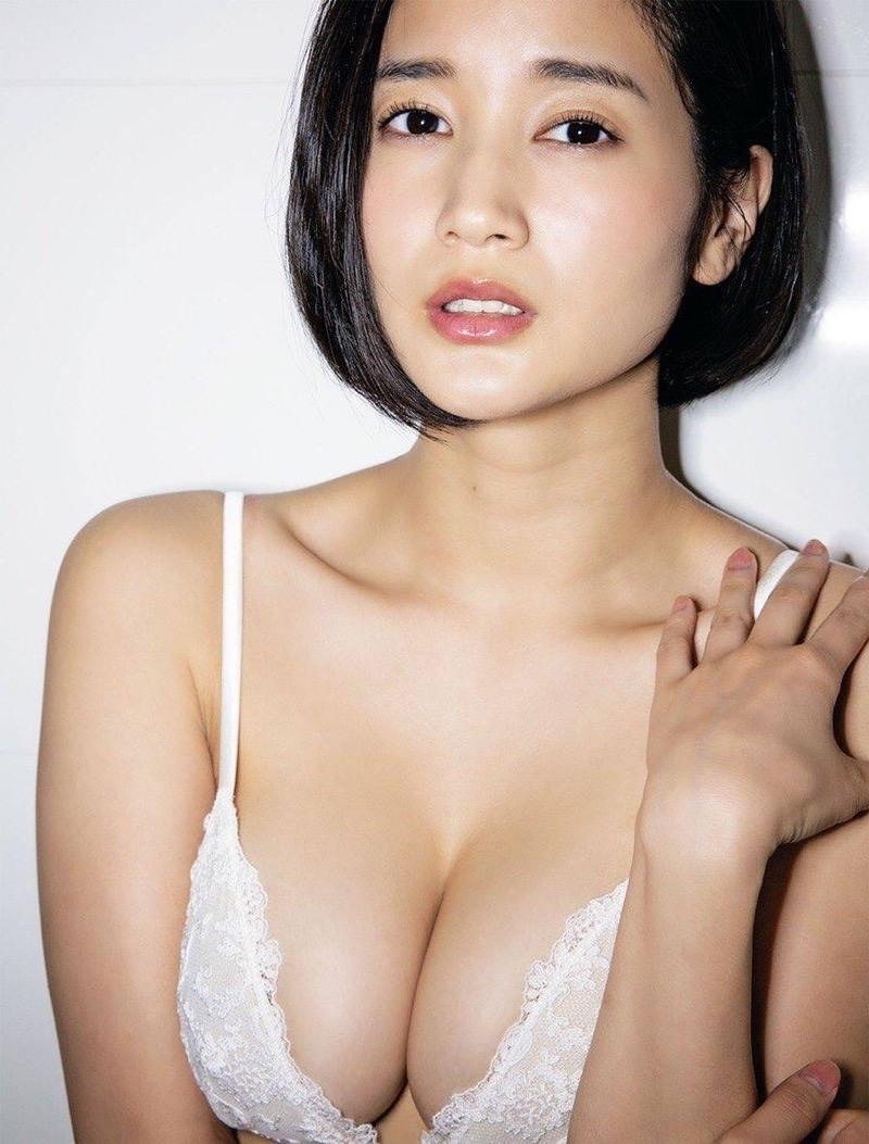 【出口亜梨沙グラビア画像】Gカップの巨乳過ぎるレポーターとして注目を浴びたグラビアアイドル 30