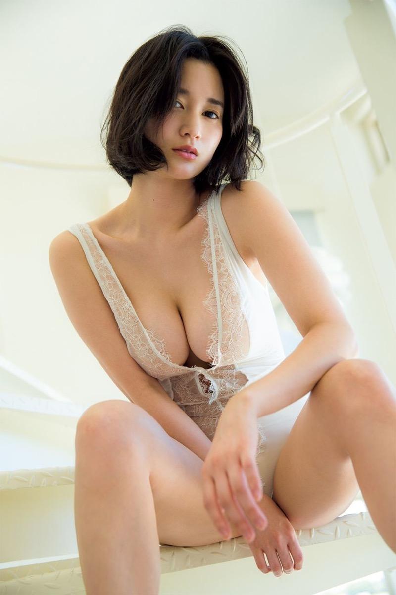 【出口亜梨沙グラビア画像】Gカップの巨乳過ぎるレポーターとして注目を浴びたグラビアアイドル 35