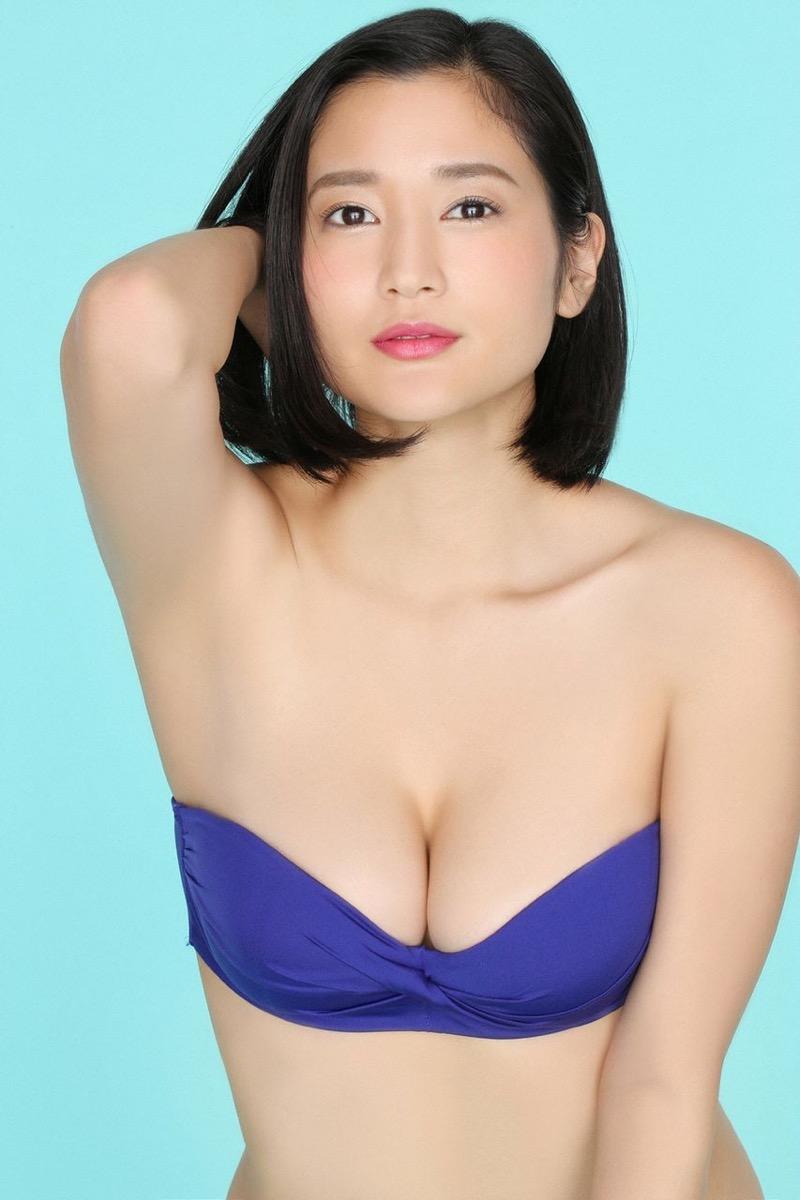 【出口亜梨沙グラビア画像】Gカップの巨乳過ぎるレポーターとして注目を浴びたグラビアアイドル 41