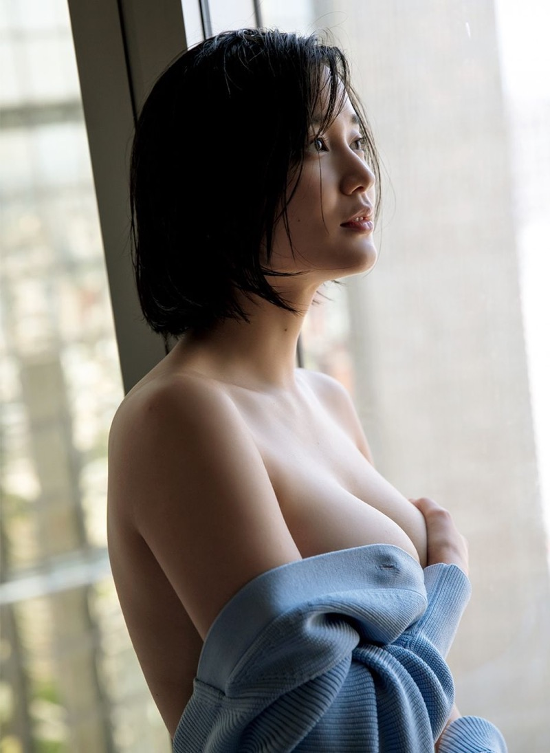 【出口亜梨沙グラビア画像】Gカップの巨乳過ぎるレポーターとして注目を浴びたグラビアアイドル 60