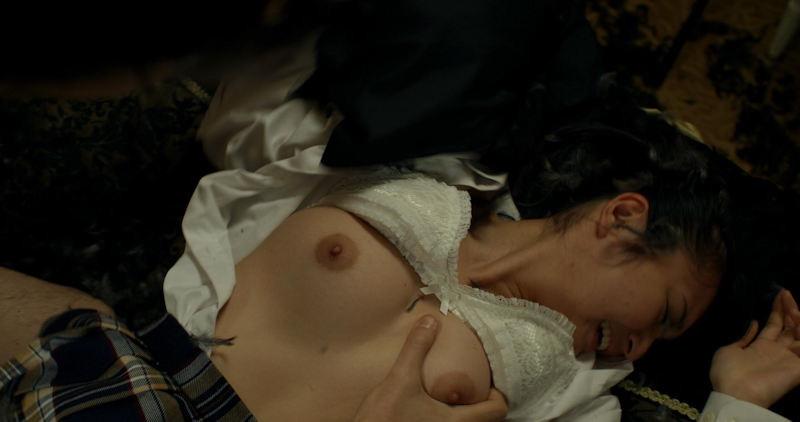 【放送事故画像】女優やタレントそしてお笑い芸人がテレビ放送で見せちゃったオッパイとセックス画像 05