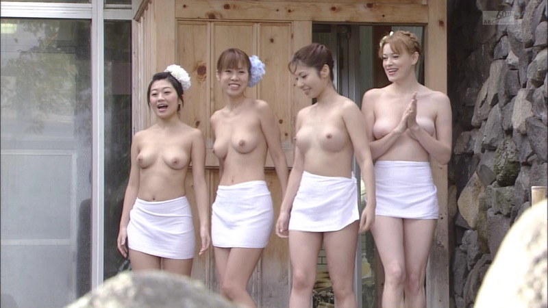 【放送事故画像】女優やタレントそしてお笑い芸人がテレビ放送で見せちゃったオッパイとセックス画像 80
