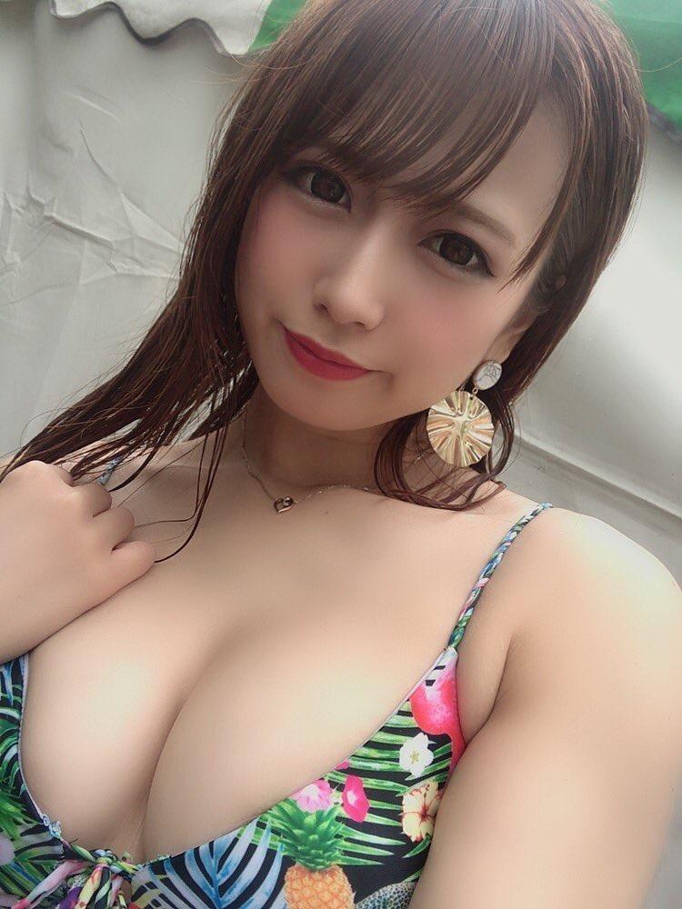 【桜りんエロ画像】ベビーフェイスにFカップ巨乳のギャップあるエロボディで大人気売出し中のグラドル! 24