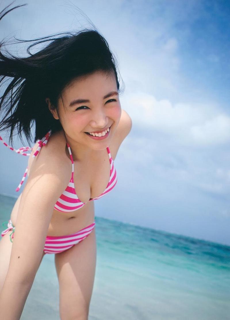 【朝長美桜グラビア画像】天使のように可愛らしい笑顔とショートヘアがとっても良く似合う美少女アイドル 36