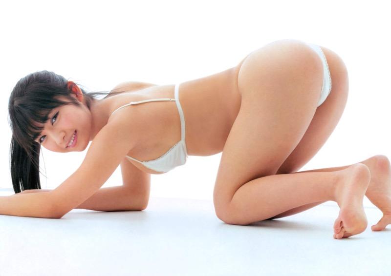 【永井里菜エロ画像】ブラからポロリしそうな柔らかFカップおっぱいでパイズリさせたいwwww