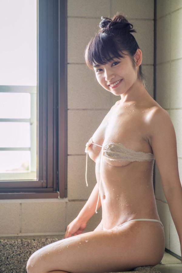 【永井里菜エロ画像】ブラからポロリしそうな柔らかFカップおっぱいでパイズリさせたいwwww 06