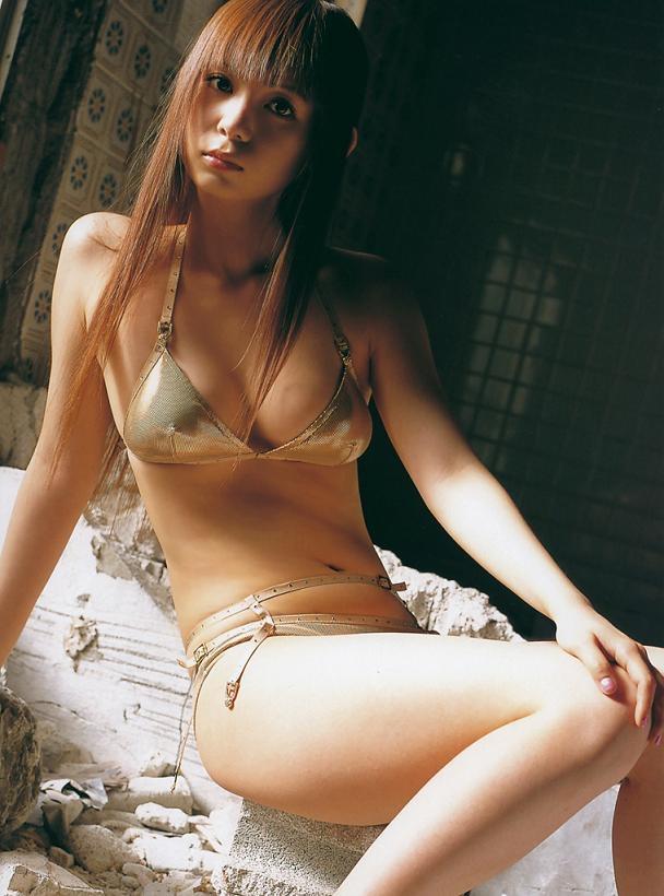 【中川翔子グラビア画像】しょこたんブログで有名になったブロガータレントのエロビキニ画像 14