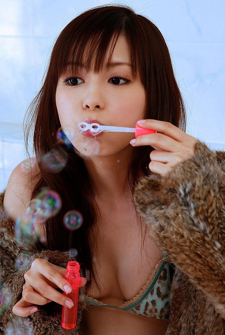 【中川翔子グラビア画像】しょこたんブログで有名になったブロガータレントのエロビキニ画像 47