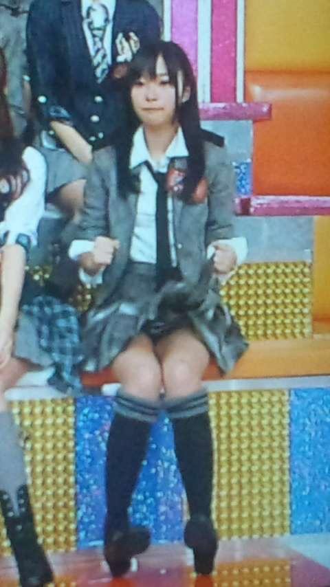 【AKB48放送事故画像】アイドルっていつでもどこでもエロいハプニングを期待されて大変だなぁw 07