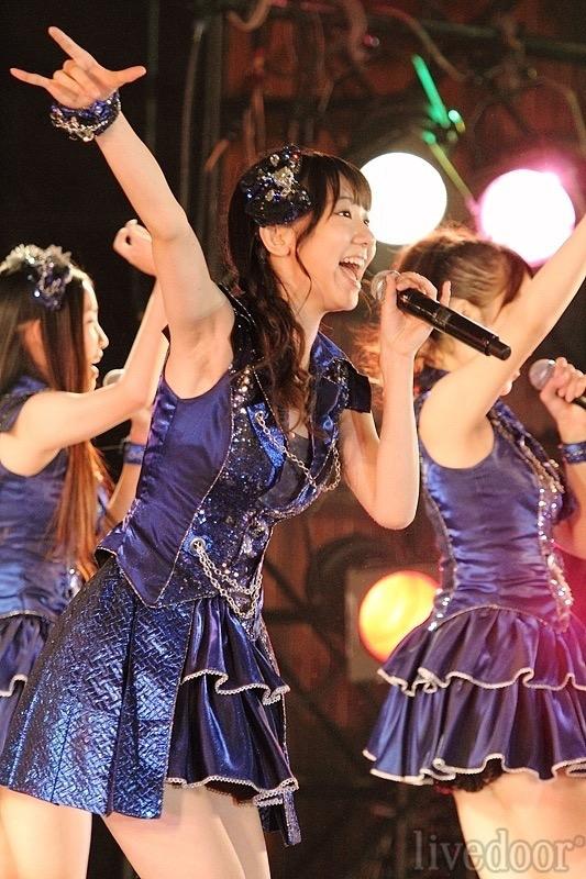 【AKB48放送事故画像】アイドルっていつでもどこでもエロいハプニングを期待されて大変だなぁw 08