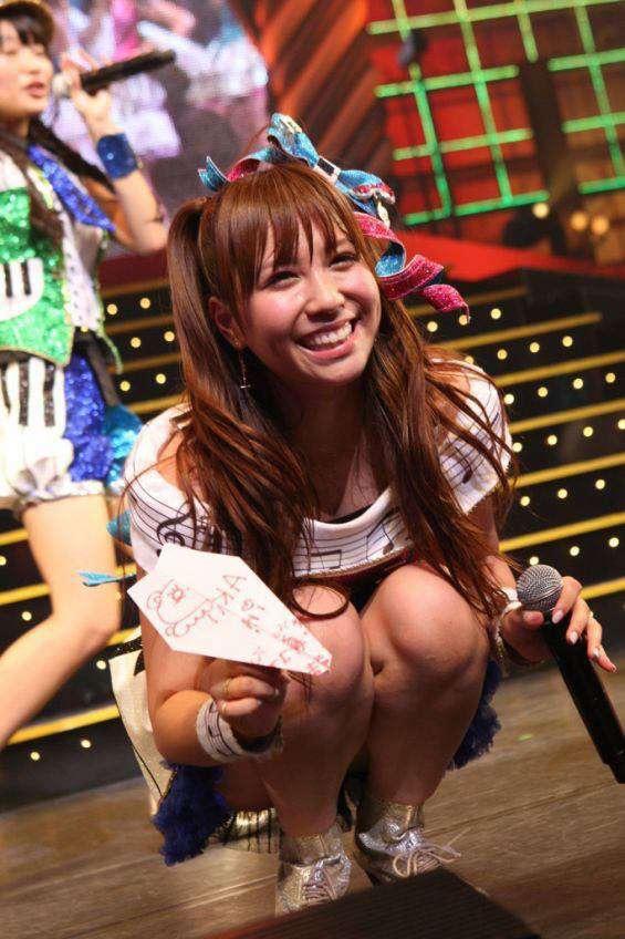 【AKB48放送事故画像】アイドルっていつでもどこでもエロいハプニングを期待されて大変だなぁw 09