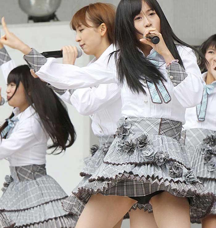 【AKB48放送事故画像】アイドルっていつでもどこでもエロいハプニングを期待されて大変だなぁw 10