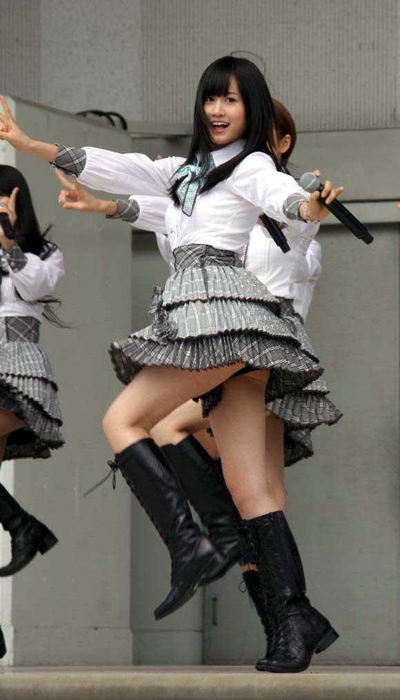 【AKB48放送事故画像】アイドルっていつでもどこでもエロいハプニングを期待されて大変だなぁw 12