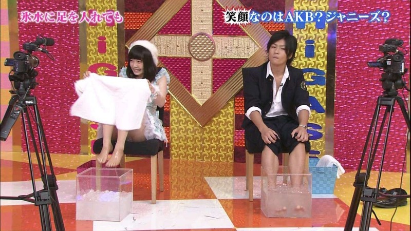 【AKB48放送事故画像】アイドルっていつでもどこでもエロいハプニングを期待されて大変だなぁw 33