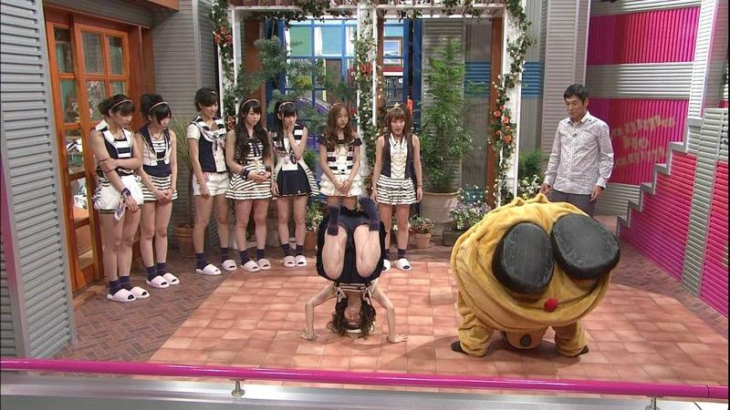 【AKB48放送事故画像】アイドルっていつでもどこでもエロいハプニングを期待されて大変だなぁw 57