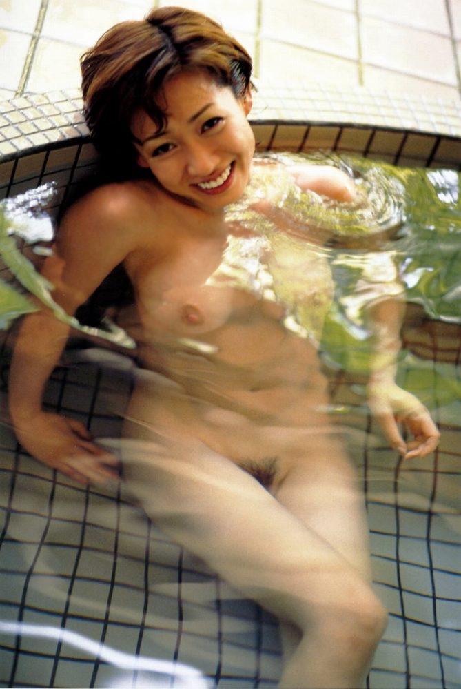 【細川ふみえエロ画像】巨乳グラドルの草分け的存在だったレジェンド級タレントの現在は? 27