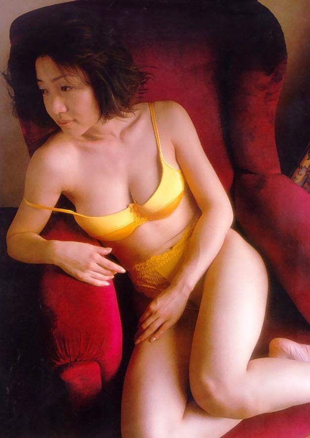 【細川ふみえエロ画像】巨乳グラドルの草分け的存在だったレジェンド級タレントの現在は? 57