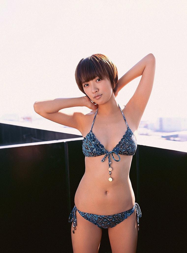 【夏菜グラビア画像】アラサーになってもショートヘアが似合って可愛いスレンダー美人女優 23