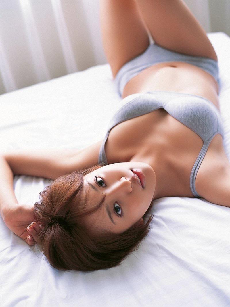 【夏菜グラビア画像】アラサーになってもショートヘアが似合って可愛いスレンダー美人女優 34