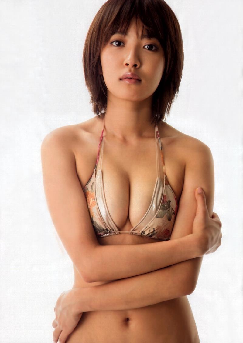 【夏菜グラビア画像】アラサーになってもショートヘアが似合って可愛いスレンダー美人女優 39