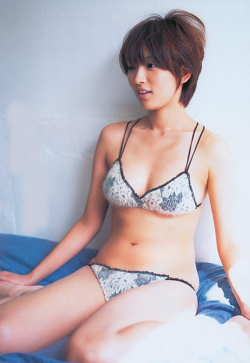 【夏菜グラビア画像】アラサーになってもショートヘアが似合って可愛いスレンダー美人女優 45
