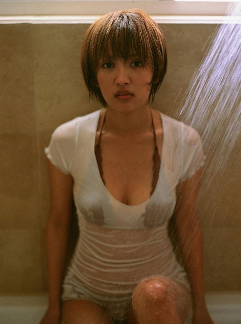 【夏菜グラビア画像】アラサーになってもショートヘアが似合って可愛いスレンダー美人女優 61
