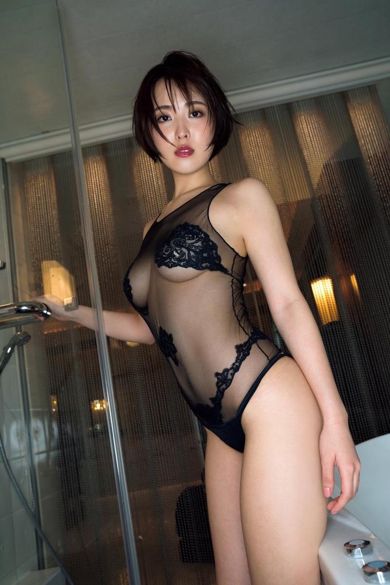 【忍野さらグラビア画像】Gカップグラドルがクイッと突き出したエロい美尻にザーメンぶっかけたい! 35