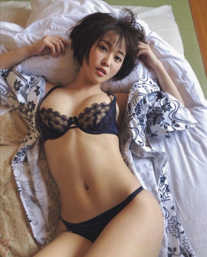 【忍野さらグラビア画像】Gカップグラドルがクイッと突き出したエロい美尻にザーメンぶっかけたい! 48