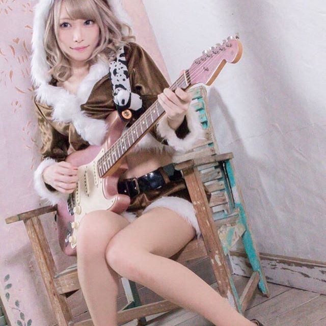【山吹りょうエロ画像】ガールズバンドの激かわギタリストがウエスト49cmってヤバ過ぎるwwww 56