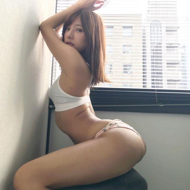 【夏本あさみエロ画像】アイドルから転身した美少女グラドルのスレンダーな軟体ボディがめちゃシコ! 54