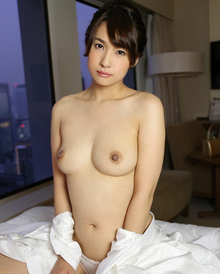 【和服エロ画像】浴衣や着物を着崩しながらチンポを咥え込んでハメまくる着衣セックス画像 39
