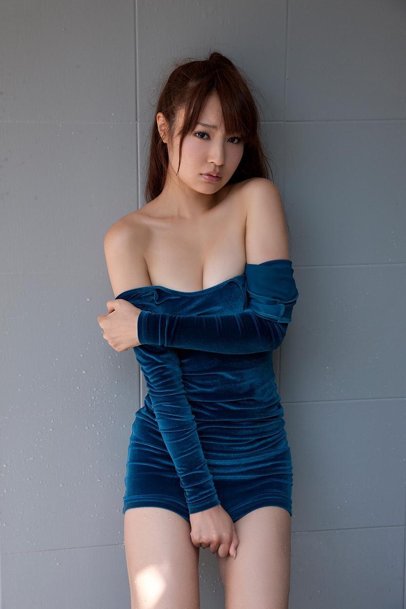 【仁藤みさきグラビア画像】折れそうな細い腰にHcup爆乳というギャップボディが激シコいスレンダー美女 14