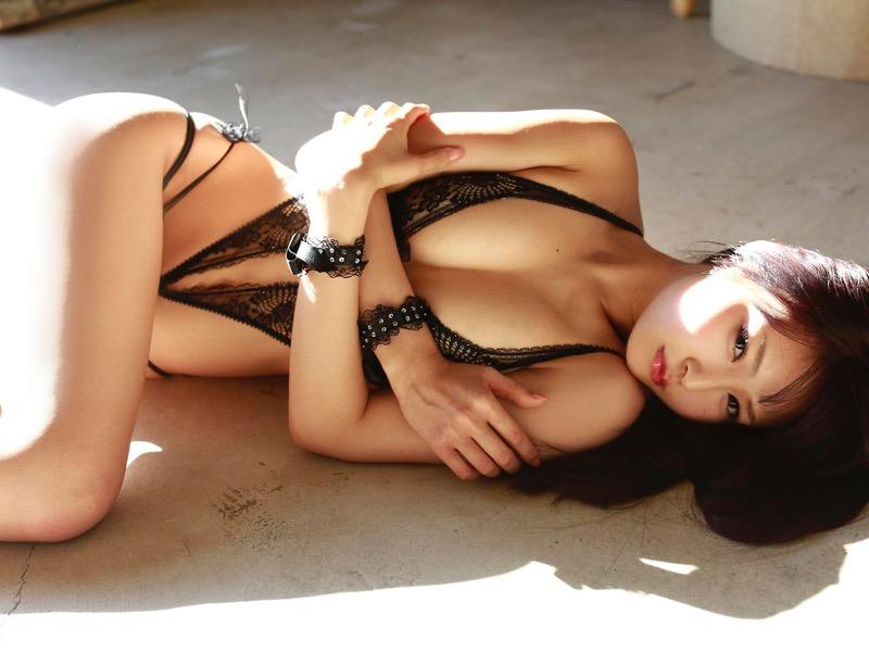【仁藤みさきグラビア画像】折れそうな細い腰にHcup爆乳というギャップボディが激シコいスレンダー美女 77