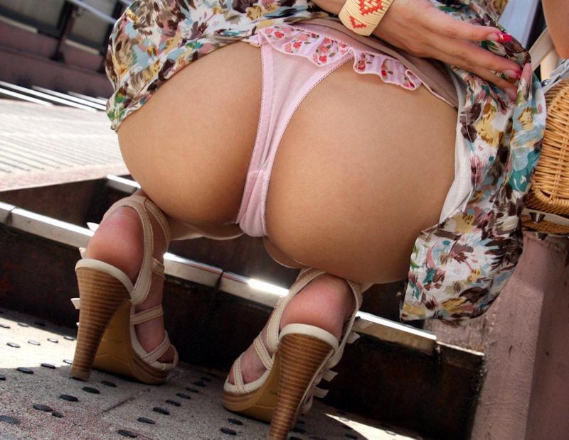 【可愛いパンツ画像】可愛い女子がエッチなパンツを穿いて見せつけてくる姿でチンコ勃つわwwww 80