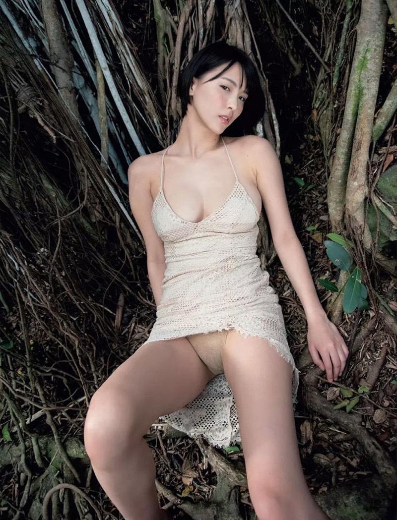 【奈月セナグラビア画像】モデル顔負けな長身にGカップ巨乳と巨尻のメリハリボディが激シコ! 18