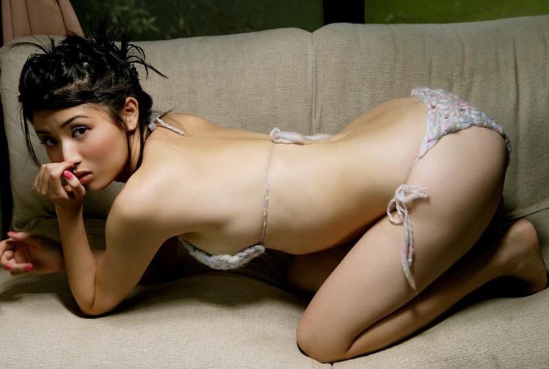 【橋本マナミグラビア画像】艶めかしい色気が魅力的なGカップ美熟女のセックスみたいなエロ写真 67