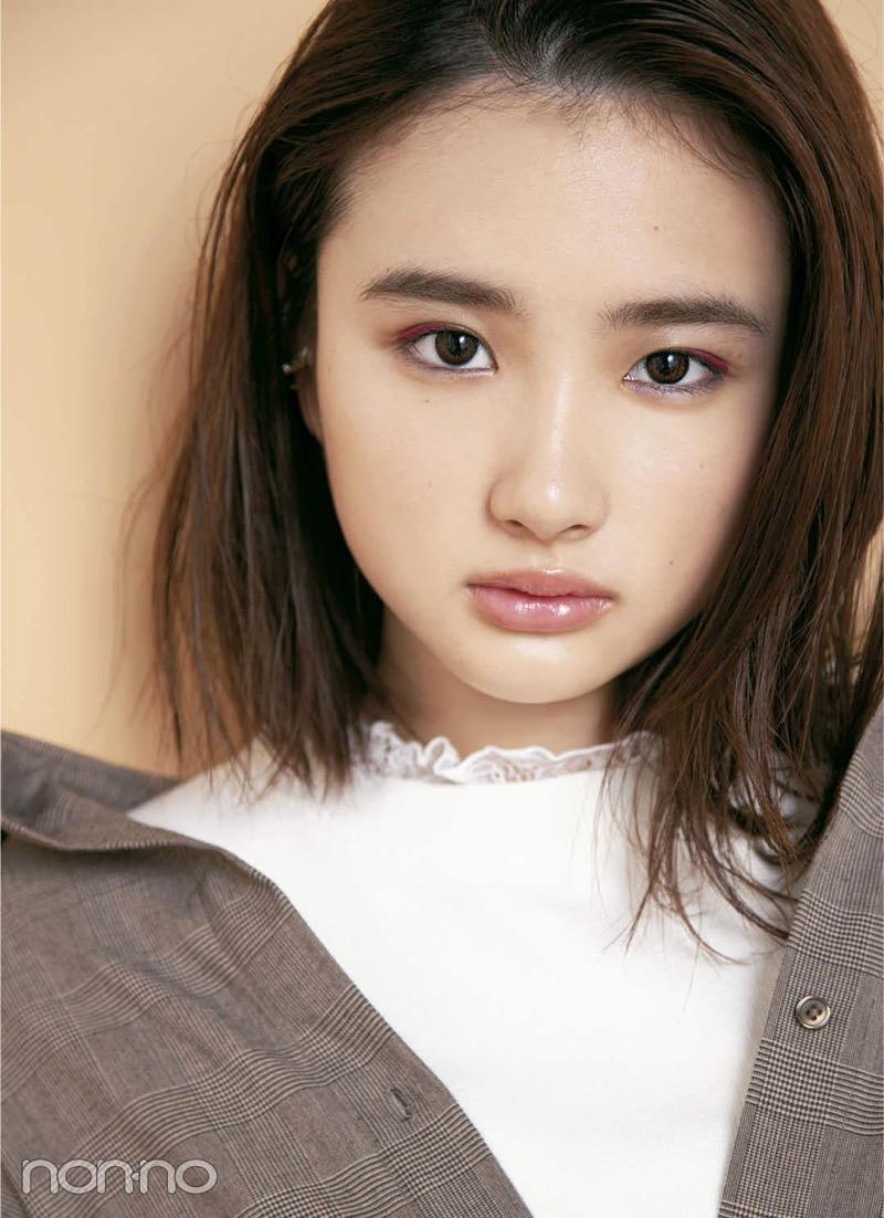【安倍乙グラビア画像】素朴な雰囲気だけど時々感じるセクシーさが魅力的な10代の太眉美少女 16