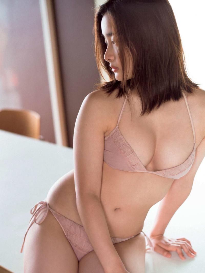 【安倍乙グラビア画像】素朴な雰囲気だけど時々感じるセクシーさが魅力的な10代の太眉美少女 24