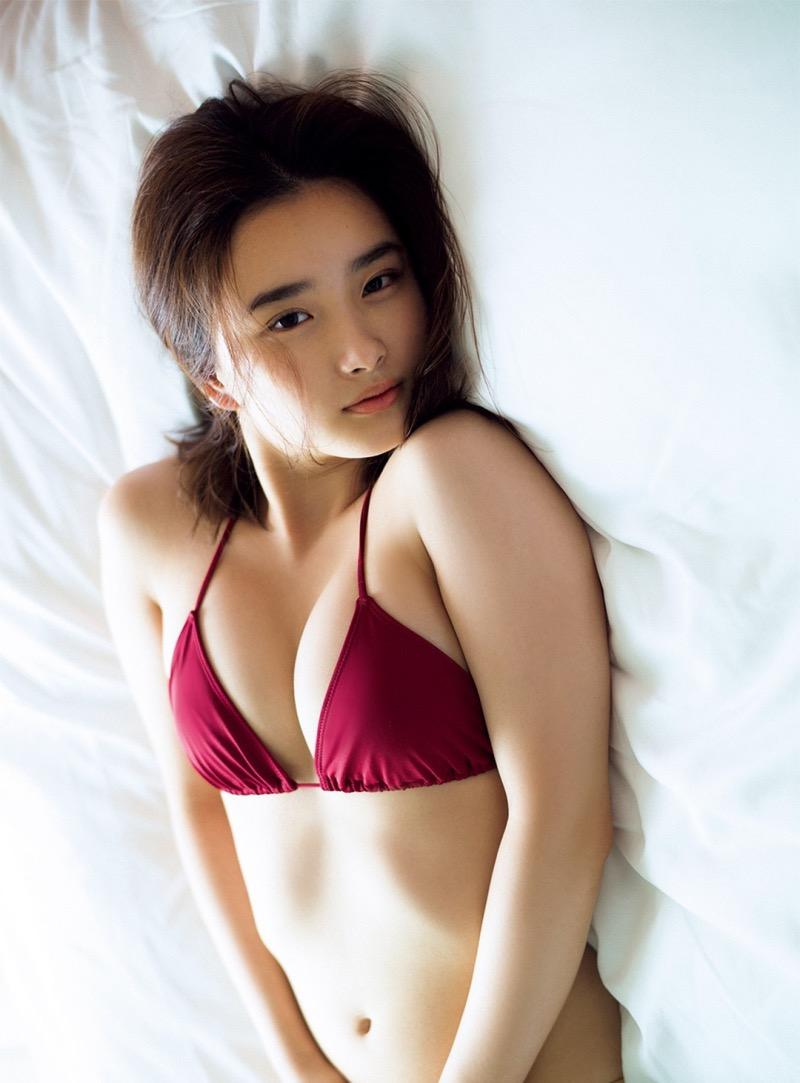 【安倍乙グラビア画像】素朴な雰囲気だけど時々感じるセクシーさが魅力的な10代の太眉美少女 38