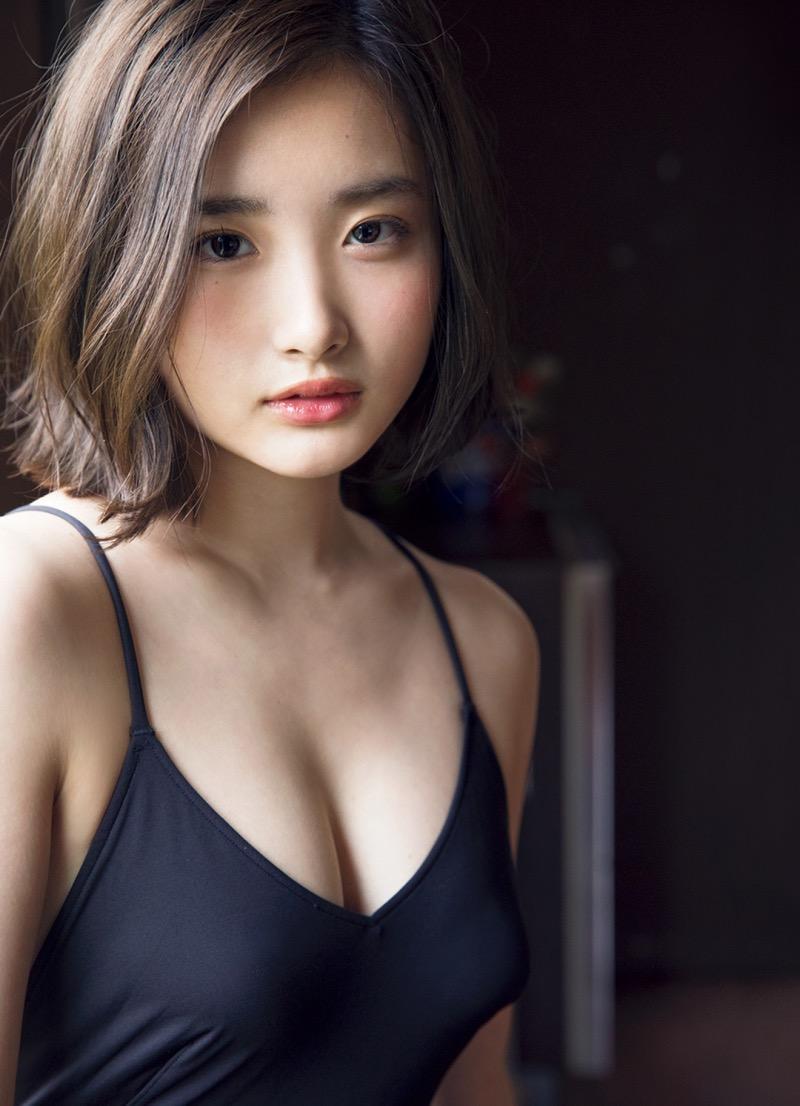 【安倍乙グラビア画像】素朴な雰囲気だけど時々感じるセクシーさが魅力的な10代の太眉美少女 45