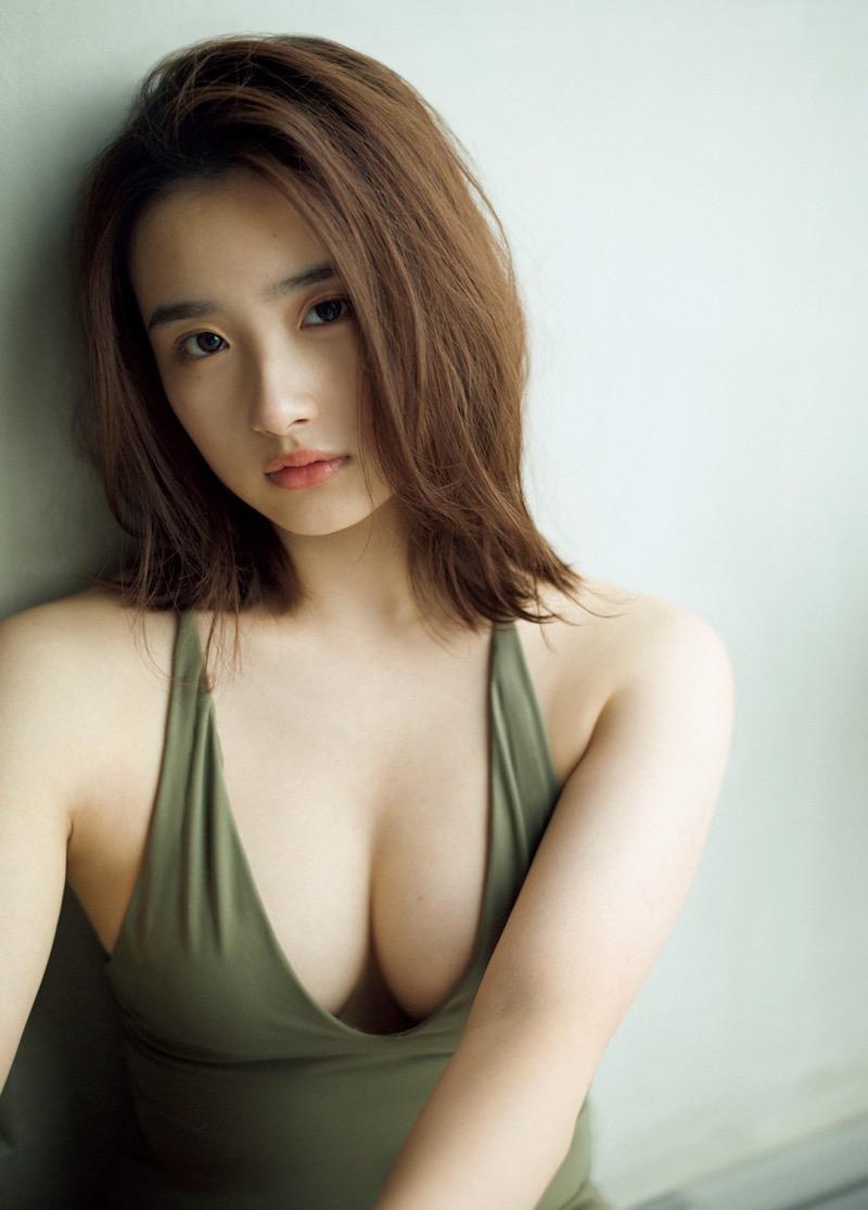 【安倍乙グラビア画像】素朴な雰囲気だけど時々感じるセクシーさが魅力的な10代の太眉美少女 47