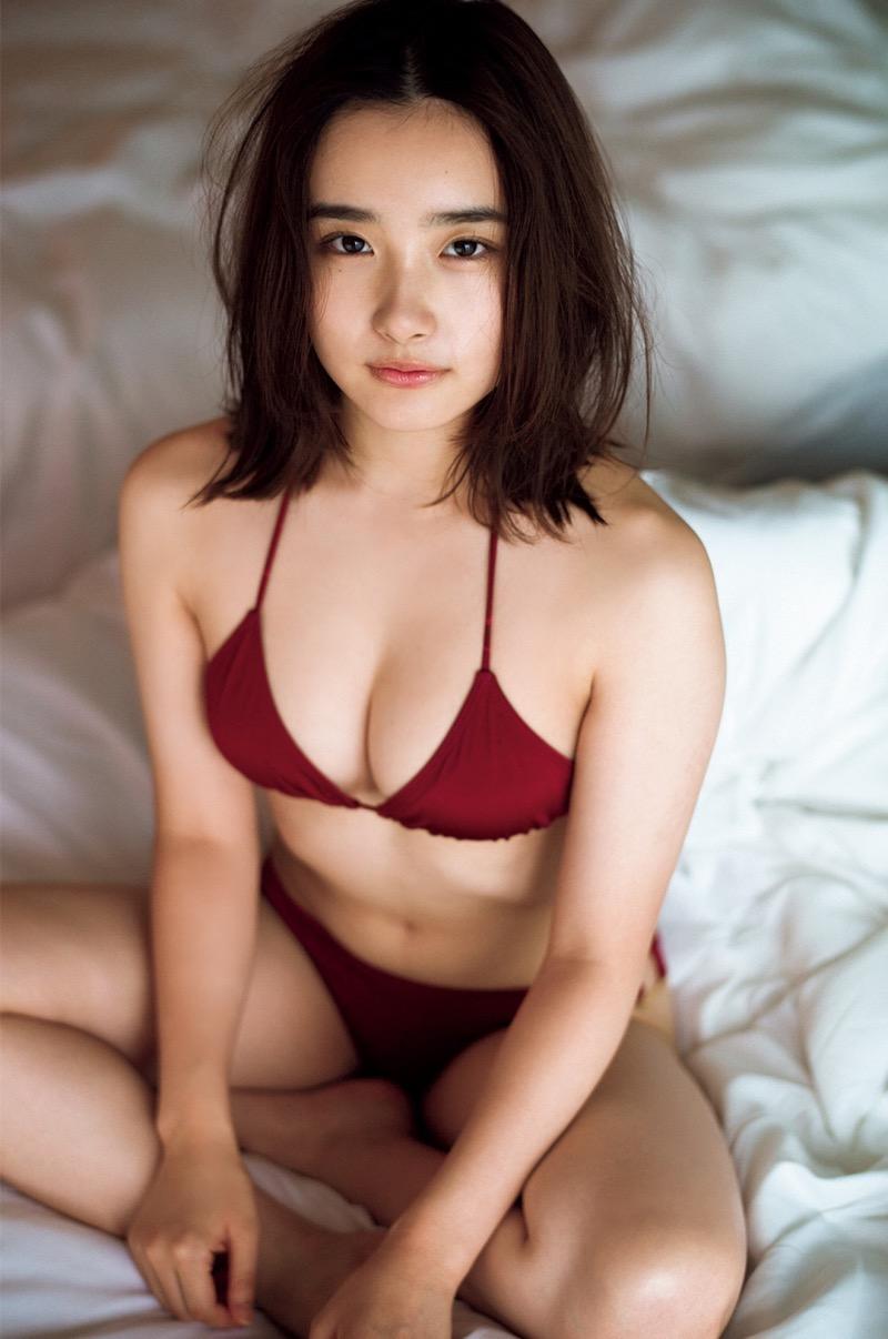 【安倍乙グラビア画像】素朴な雰囲気だけど時々感じるセクシーさが魅力的な10代の太眉美少女 51