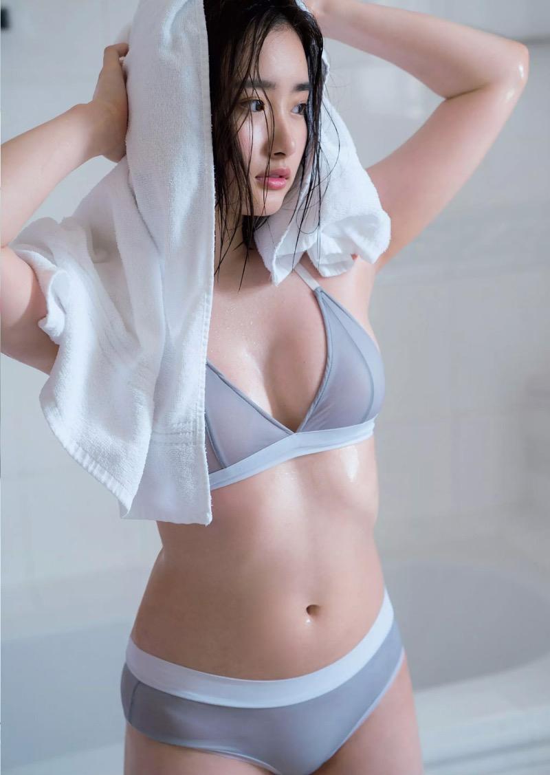 【安倍乙グラビア画像】素朴な雰囲気だけど時々感じるセクシーさが魅力的な10代の太眉美少女 61
