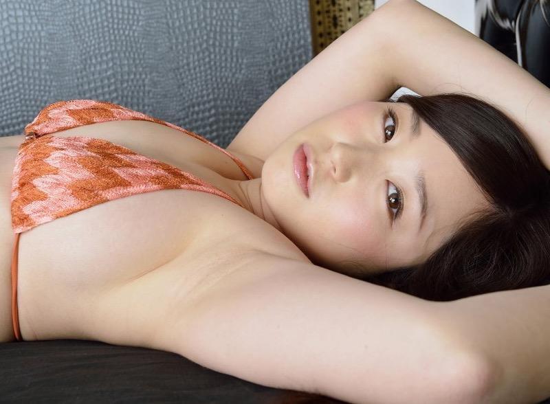 【石川優実グラビア画像】可愛らしい顔してエッチな格好しまくってるギャップがエロいわwwww
