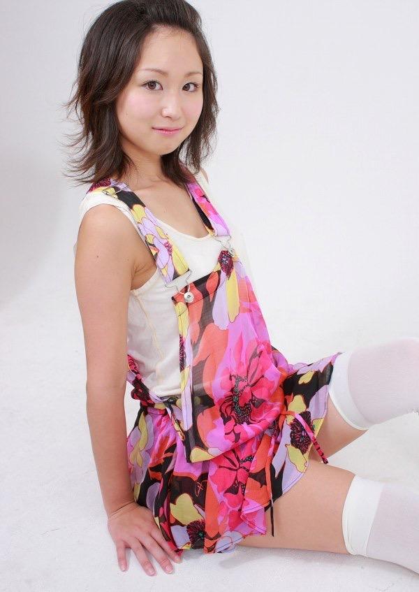 【石川優実グラビア画像】可愛らしい顔してエッチな格好しまくってるギャップがエロいわwwww 13